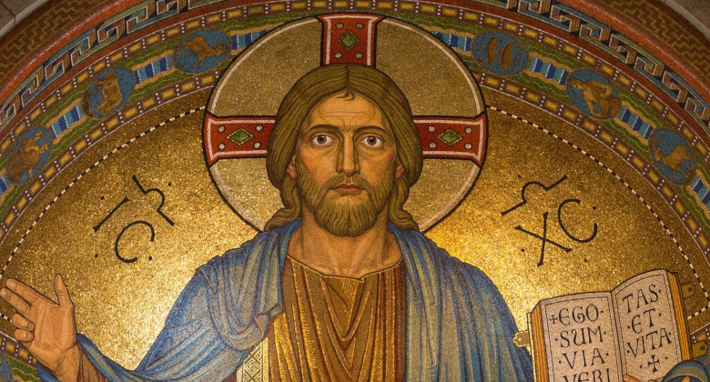 Need a Role Model for Your Life? Here's Why Jesus Would Be Your Best One | iApologia